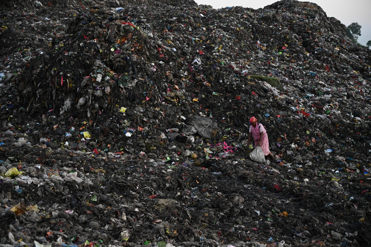 Ogromna deponija sa otpadom